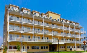 Gateway Hotel & Suites, Ascend Hotel Collection