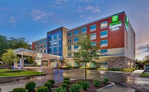 Holiday Inn Express & Suites Gainesville I-75, an IHG Hotel