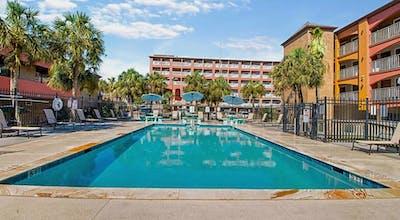 Quality Inn & Suites Beachfront