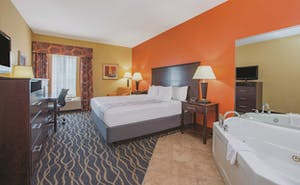 La Quinta by Wyndham Tulsa Airport / Expo Square