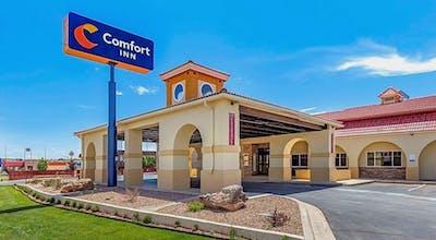 Comfort Inn City of Natural Lakes