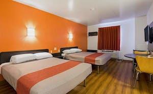 Little Rock Inn & Suites