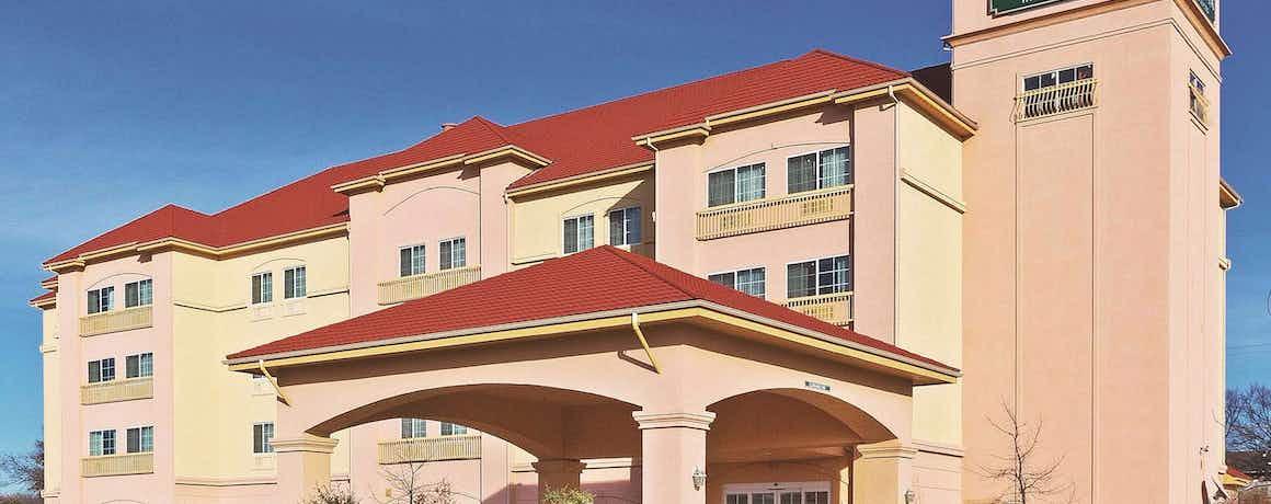 La Quinta Inn & Suites by Wyndham Decatur