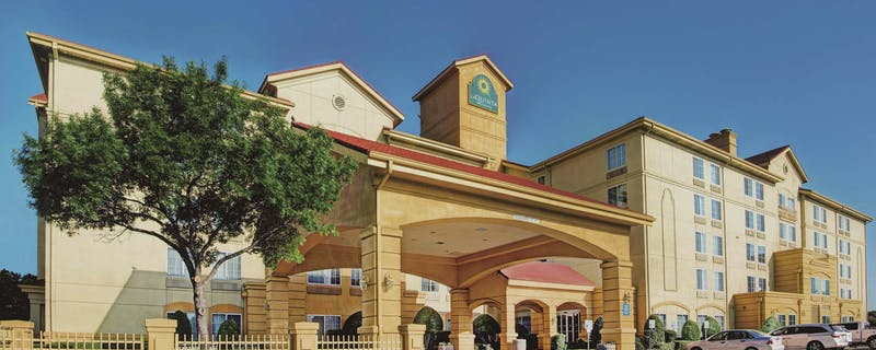 Last Minute Hotel Deals in Dallas DFW Airport - HotelTonight