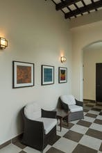 Decanter Hotel