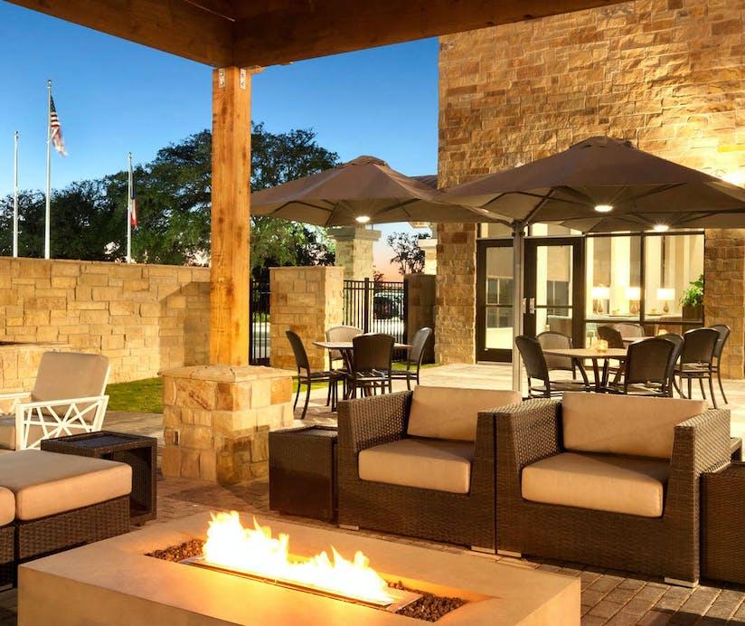 Embassy Suites by Hilton San Antonio Brooks City Base, San