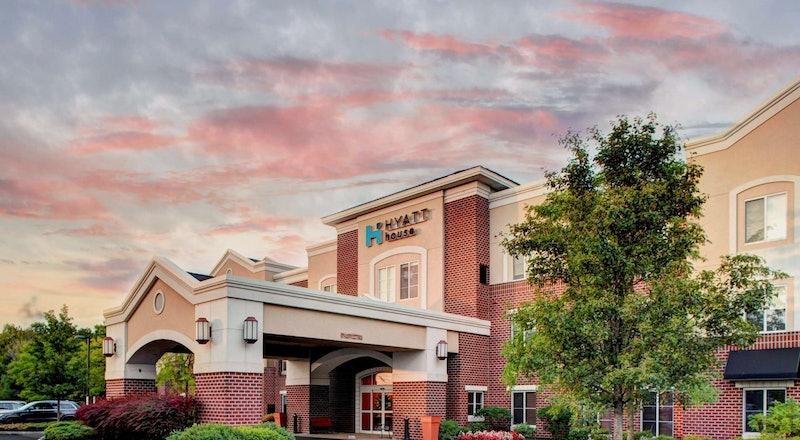 Last Minute Hotel Deals in Morris County - HotelTonight