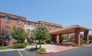 Holiday Inn Express & Suites Davis University Area