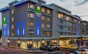 Holiday Inn Express & Suites Victoria Colwood