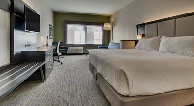 Holiday Inn Express & Suites Charleston NE Mt Pleasant US17