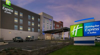 Holiday Inn Express & Suites San Antonio North - Windcrest