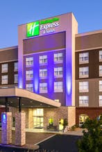 Holiday Inn Express & Suites Duluth Mall Area