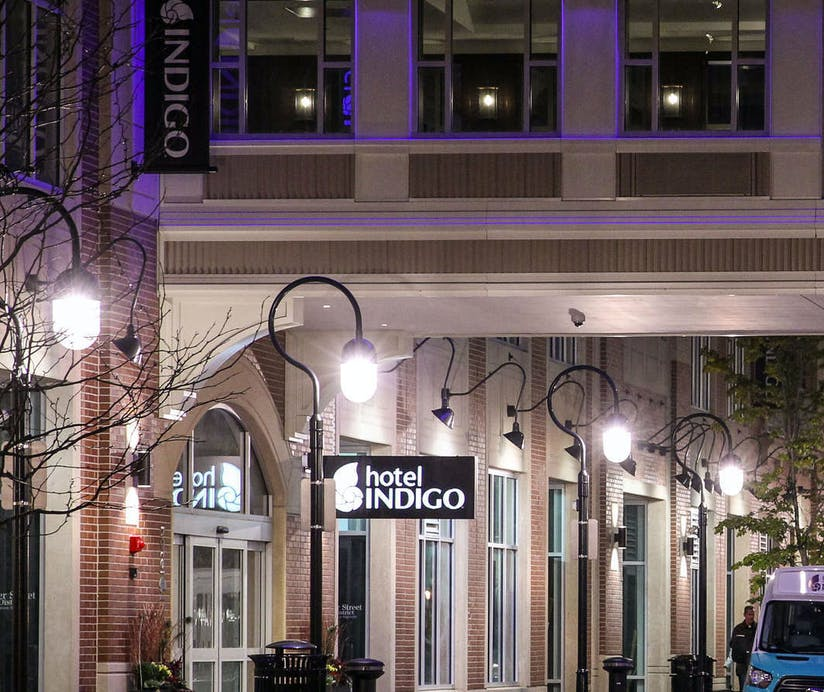 Hotel Indigo Naperville >> Hotel Indigo Naperville Riverwalk Chicago Hoteltonight