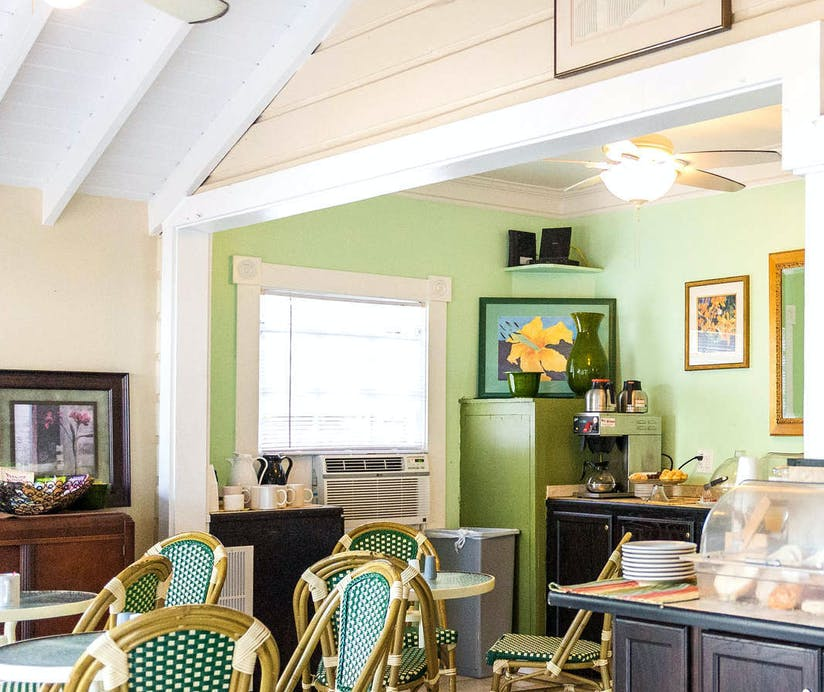 Amazing The Duval House Florida Keys Hoteltonight Download Free Architecture Designs Scobabritishbridgeorg