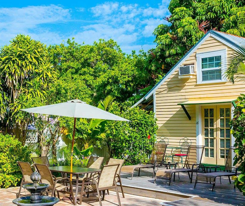 Surprising The Duval House Florida Keys Hoteltonight Download Free Architecture Designs Scobabritishbridgeorg