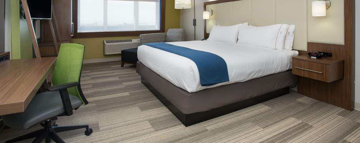 Holiday Inn Express & Suites West Memphis