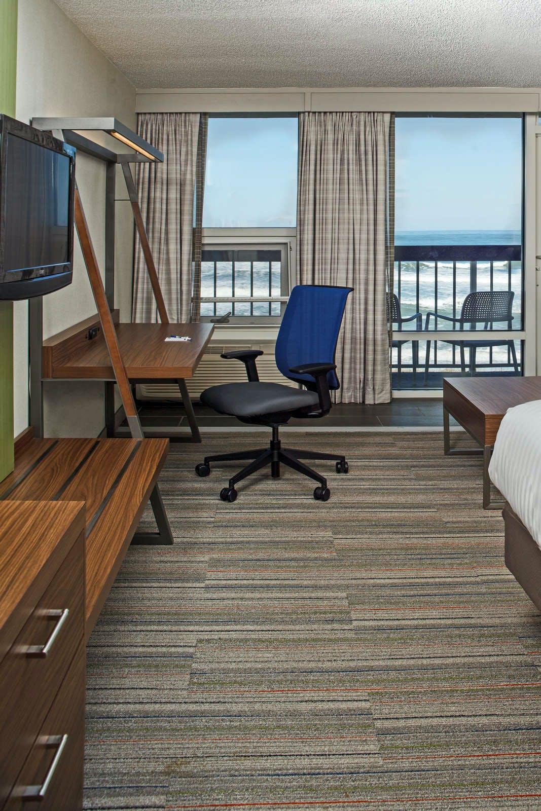 Holiday Inn Express Nags Head Oceanfront