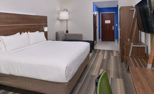 Holiday Inn Express & Suites Raleigh NE - Medical Center Area
