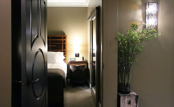 Curtiss Hotel - Executive King Suite