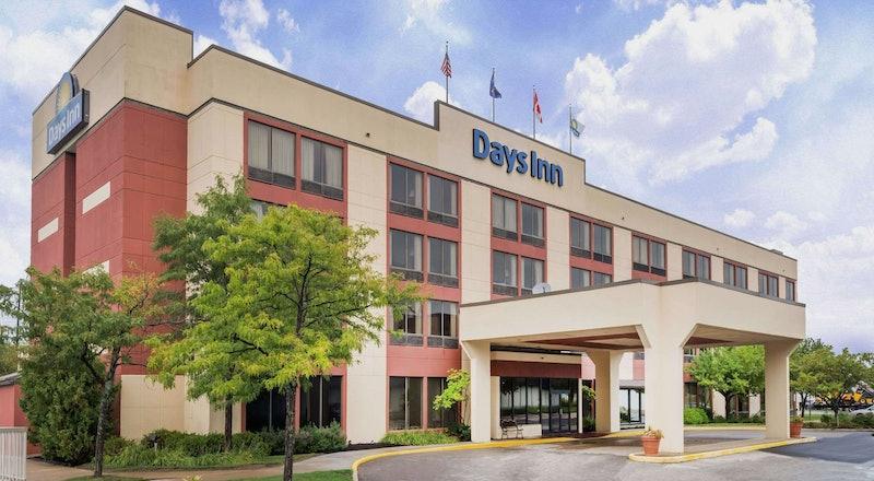 Last Minute Hotel Deals in Erie - HotelTonight