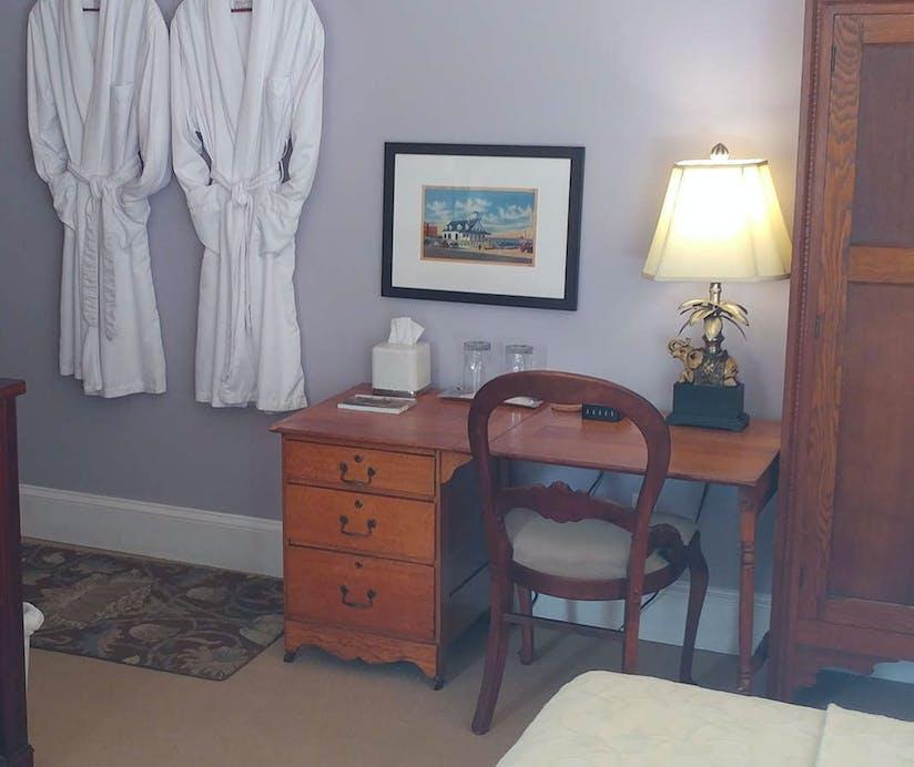 Beach Spa Bed and Breakfast, Virginia Beach - HotelTonight