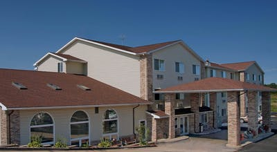 Red Roof Inn & Suites Osage Beach