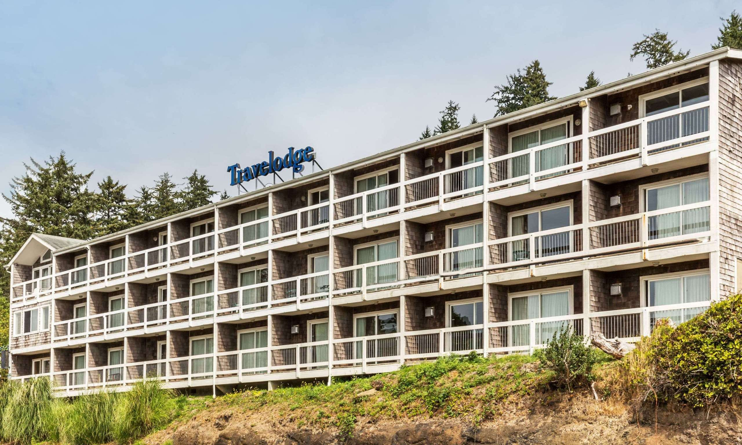 Lincoln City Hotels/Accommodations