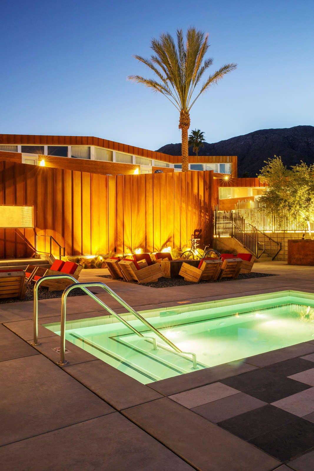 ARRIVE Palm Springs Hotel