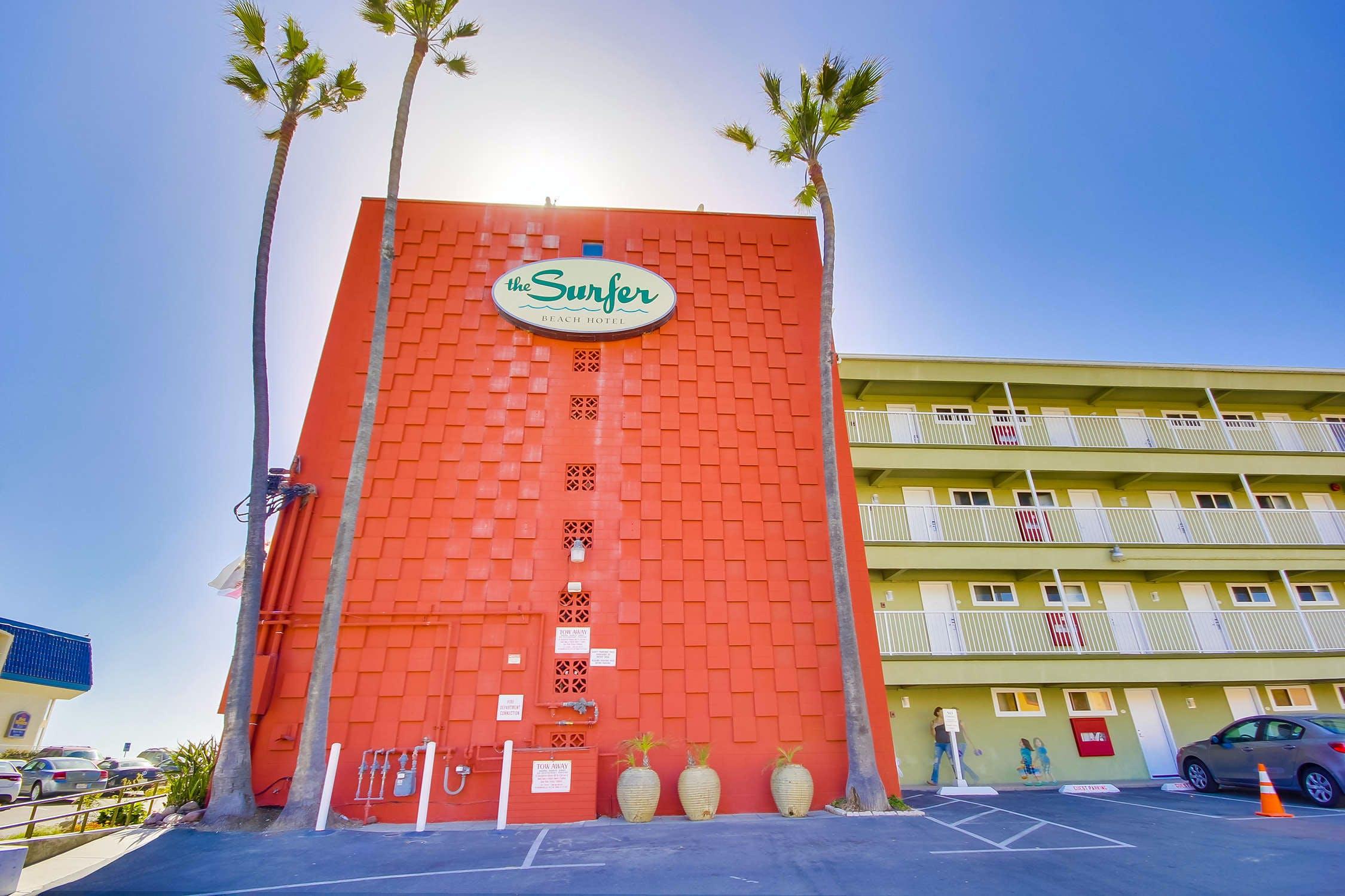 Surfer Beach Hotel