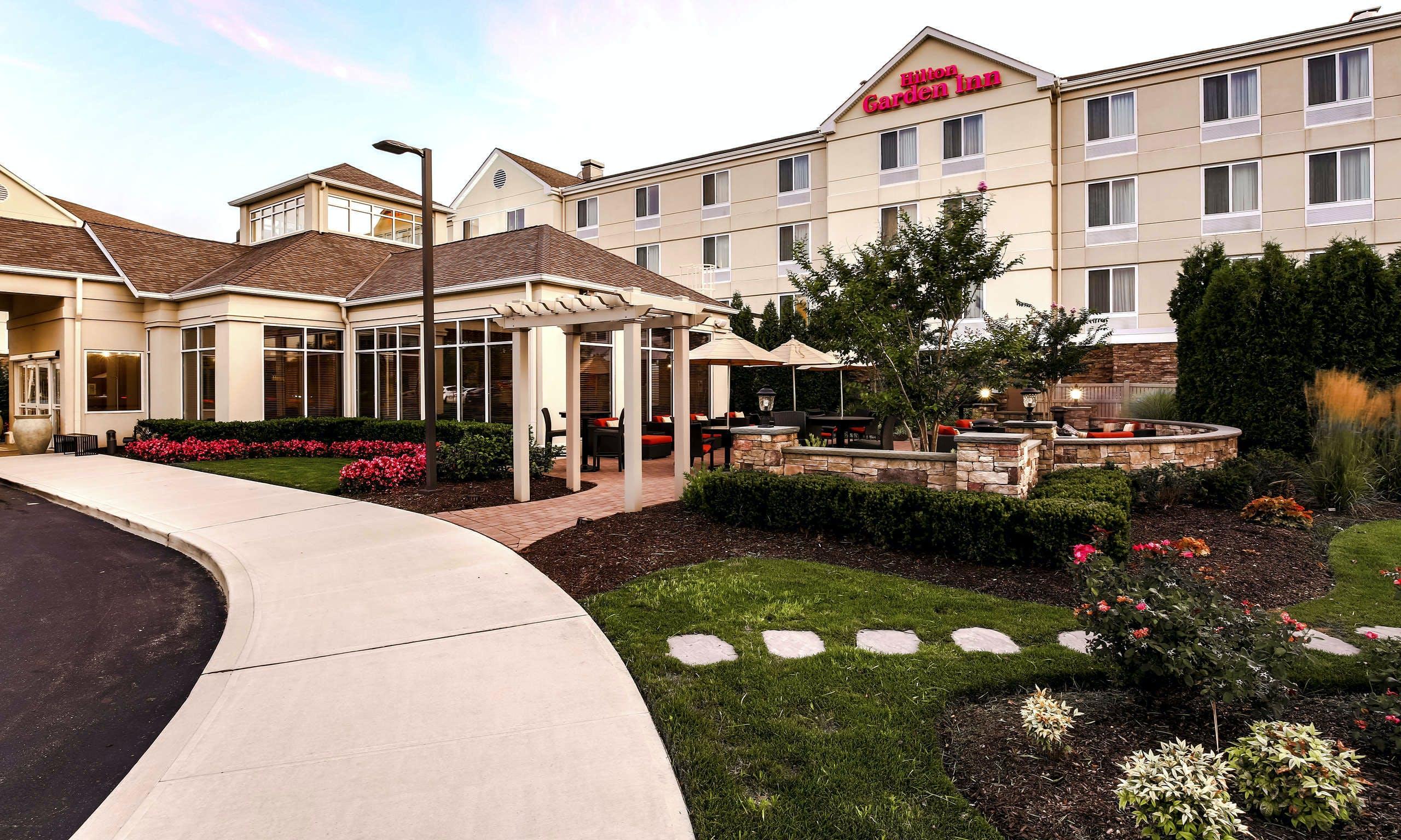 Last Minute Hotel Deals in Long Island - HotelTonight