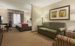 Country Inn & Suites by Radisson, Princeton, WV