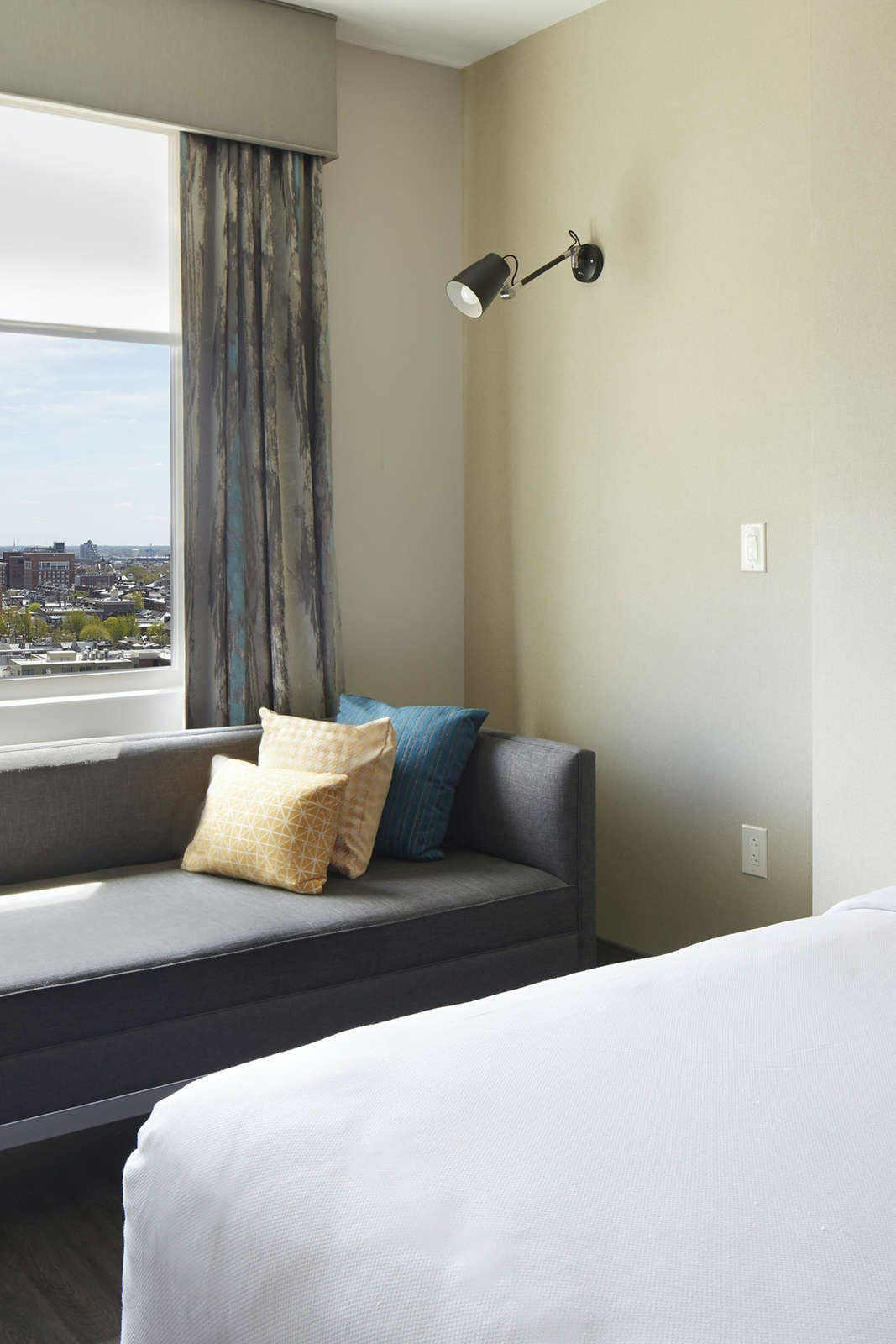 Cambria Hotel & Suites Philadelphia Downtown Center City