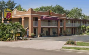 Super 8 By Wyndham, Bradenton Sarasota Area