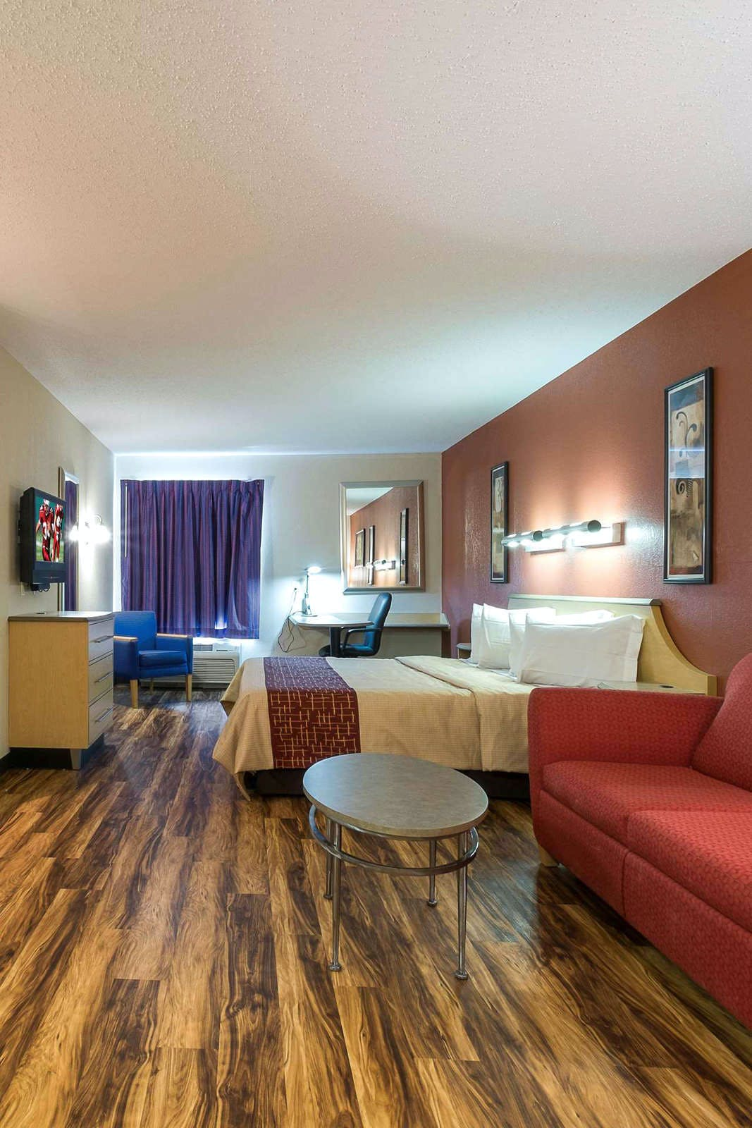 Red Roof Inn & Suites Bellmawr