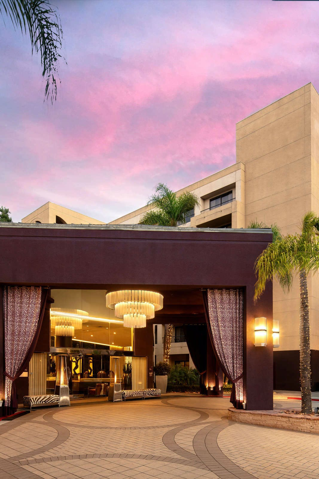 Avenue of the Arts Costa Mesa, a Tribute Portfolio Hotel