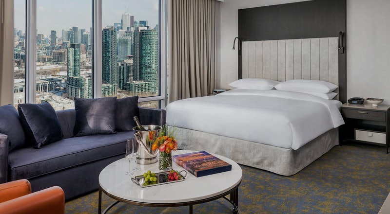 Last Minute Hotel Deals in Toronto - HotelTonight
