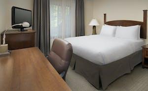 Holiday Inn Express & Suites North Brunswick