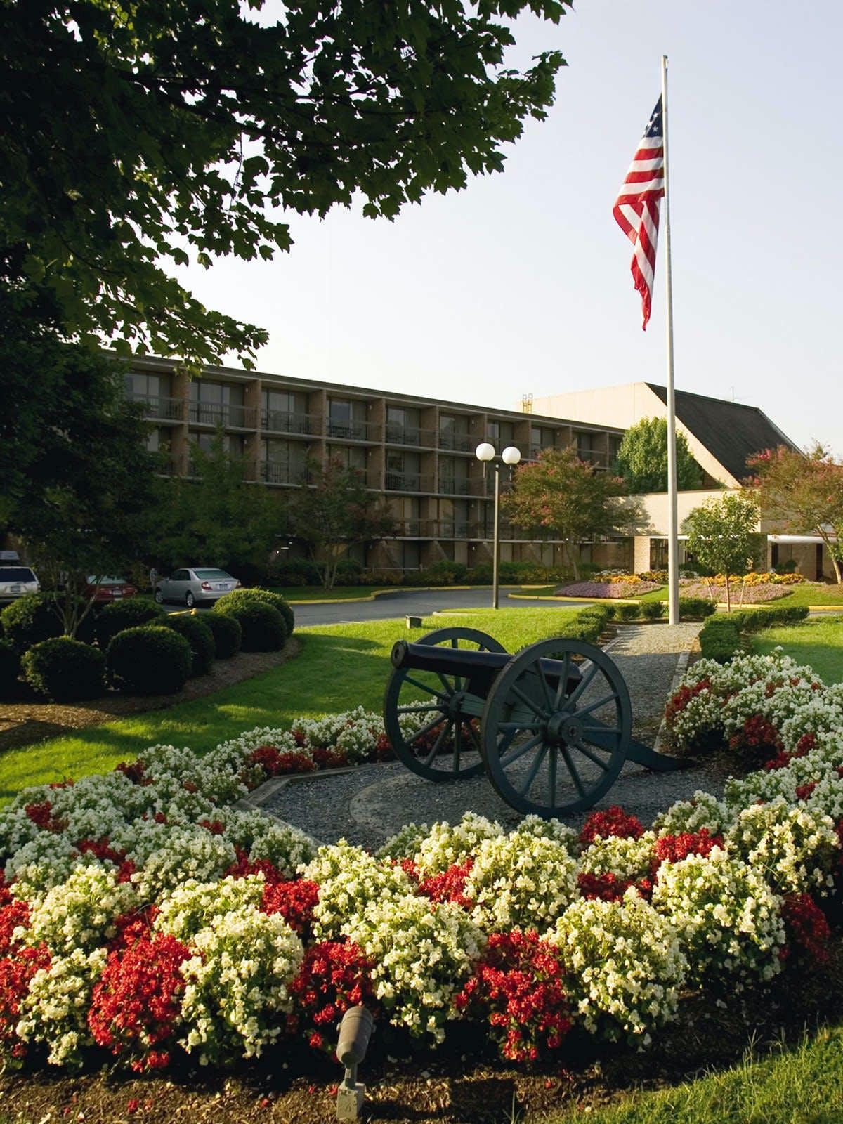 Fort Magruder Hotel