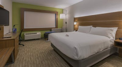 Holiday Inn Express & Suites San Marcos South