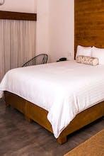Bahia Hotel & Beach Club