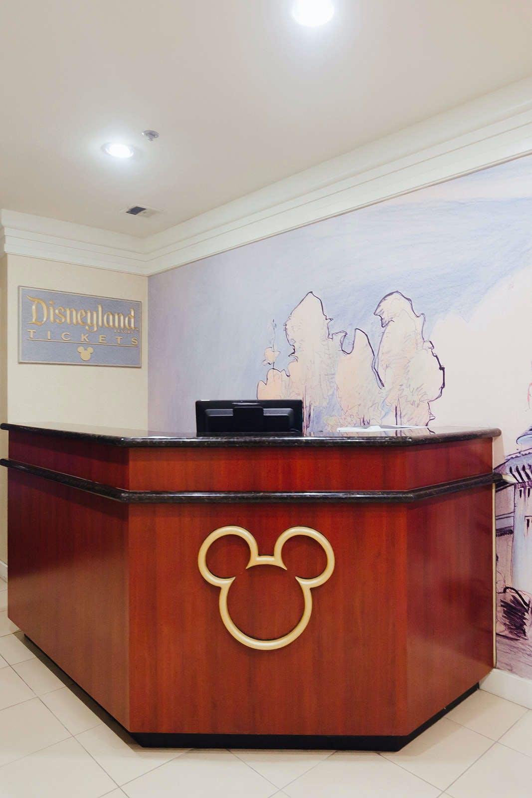 Clementine Hotel & Suites