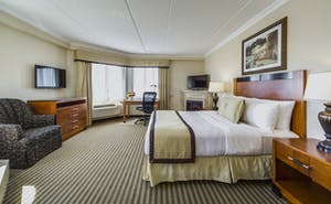 Monte Carlo Inn Barrie Suites