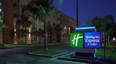 Holiday Inn Express Bakersfield Central