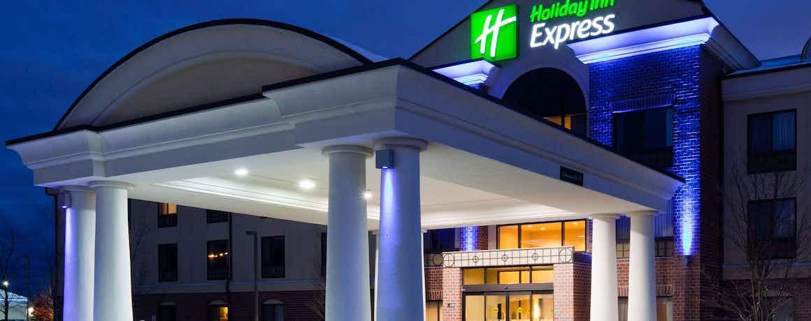 Holiday Inn Express Brown Deer