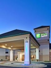 Holiday Inn Express Germantown (NW Milwaukee)