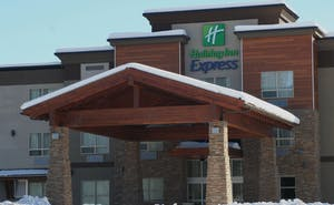 Holiday Inn Express Golden Kicking Horse