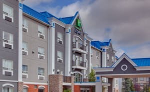 Holiday Inn Express Hotel & Suites Calgary South Macleod Trail S