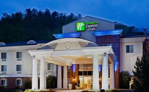Holiday Inn Express Hotel & Suites Cherokee Casino