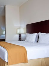 Holiday Inn Express Hotel & Suites Chicago West