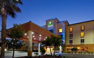 Holiday Inn Express Hotel & Suites Cocoa Beach